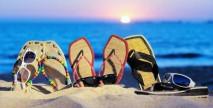 Random image: zomer-wallpaper-met-slippers-in-het-zand-3